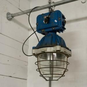 Industriele Mapelec bully hanglamp indigo blauw Hal 72 Industriele meubels, lampen en woonaccessoires 1 (427x640)